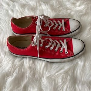 MENS red converse low top shoes